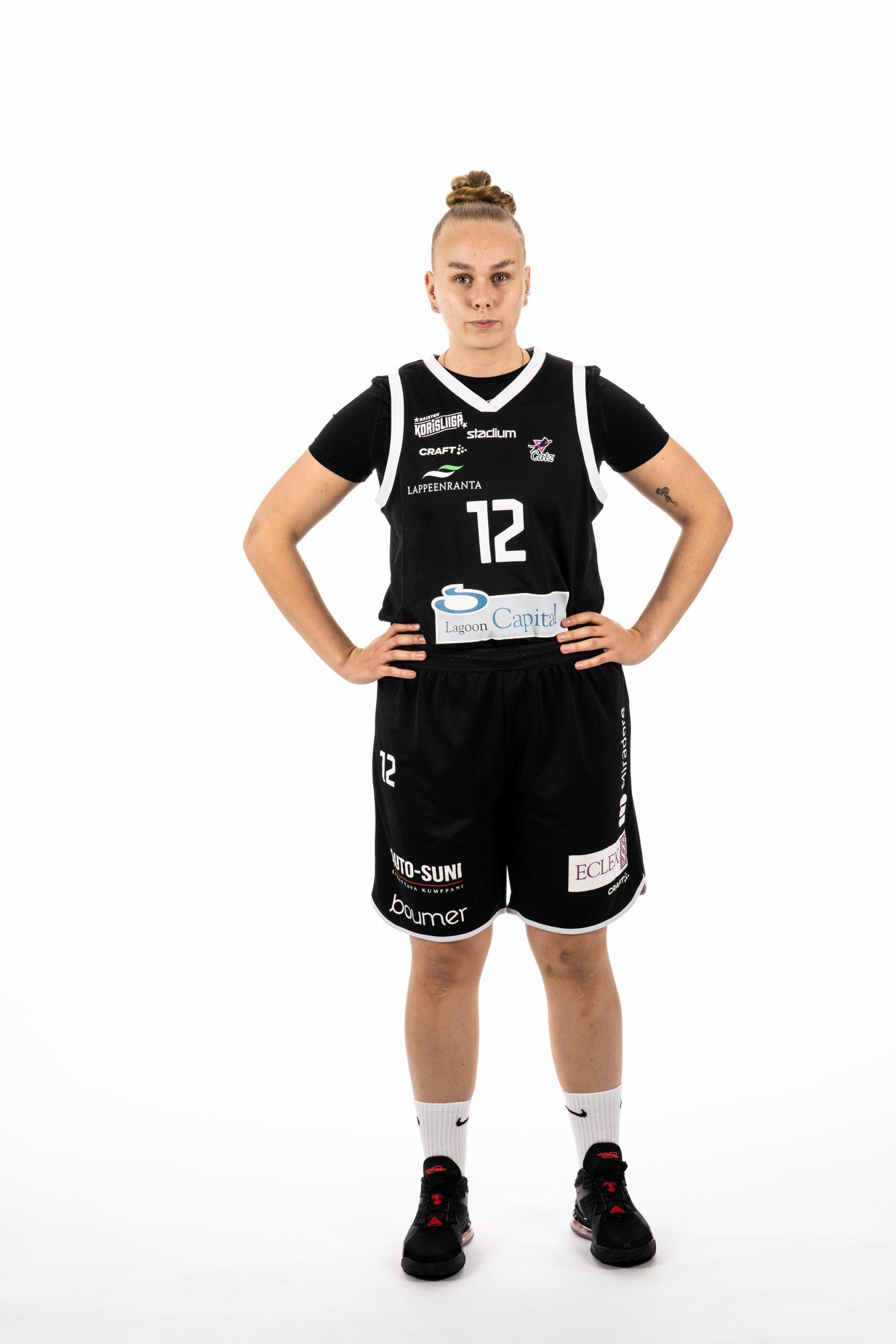 #12 Jenna Toivonen